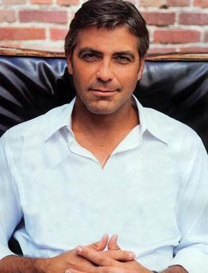 George Clooney  1990'lardan itibaren rol aldığı TV ve sinema filmlerinde gösterdiği etkili performansla ve yakışıklılığıyla Hollywood'un yükselen yıldızlarından...